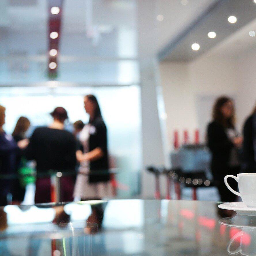 Advantages and Disadvantages of Recruitment Agencies